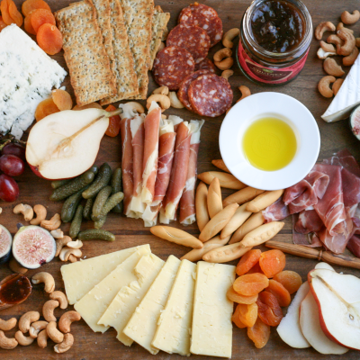 How to Assemble a Holiday Charcuterie and Cheese Board