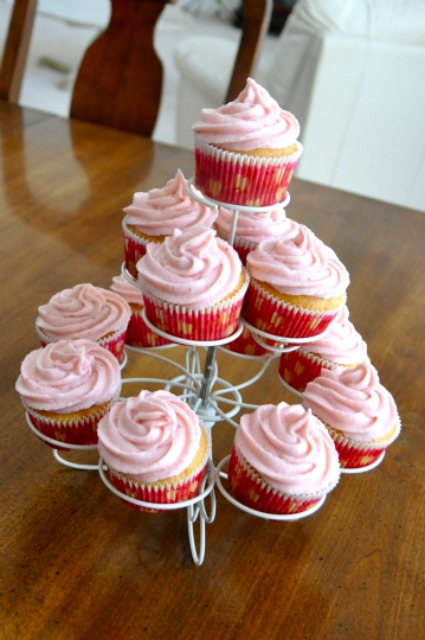 Fresh Strawberry Butter-Cream Frosting 6 - Simple Sojourns