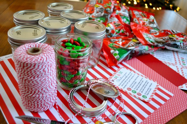 M&M Christmas Poem Candy Jar Tutorial - Simple Sojourns