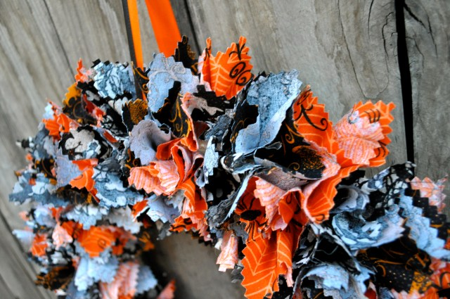 Fabric Halloween Wreath Top - Simple Sojourns