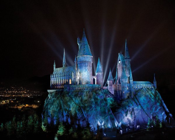 "UNIVERSAL STUDIOS HOLLYWOOD -- Pictured: ""The Wizarding World of Harry Potter"" -- (Photo by: Universal Studios) HARRY POTTER, characters, names and related indicia are trademarks of and (c) Warner Bros. Entertainment Inc. Harry Potter Publishing Rights (c) JKR. (s15) (c)2015 Universal Studios. All Rights Reserved."