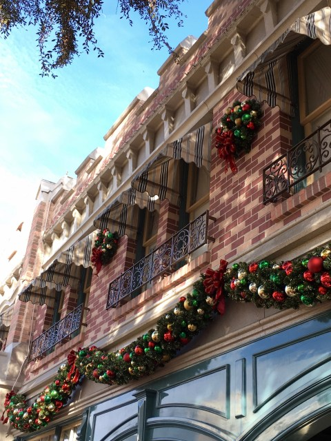 Disneyland Happy Holidays - Simple Sojourns