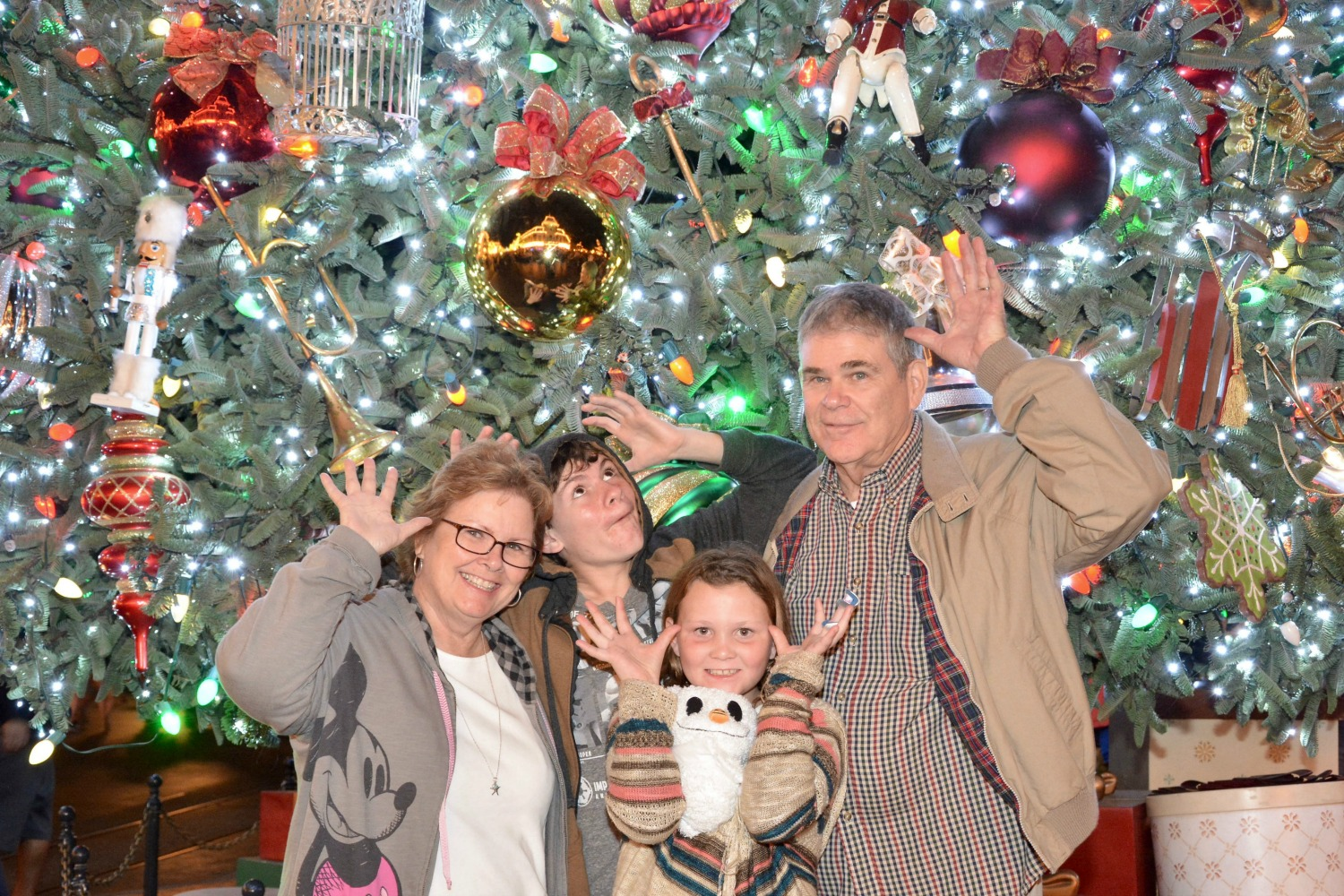 Merry Christmas with the grands at at #DisneylandHolidays - Simple Sojourns