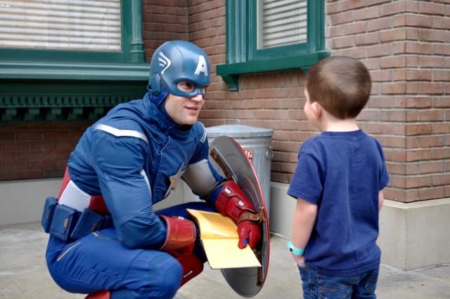Disneyland Marvel Superheros Meet and Greet - Simple Sojourns