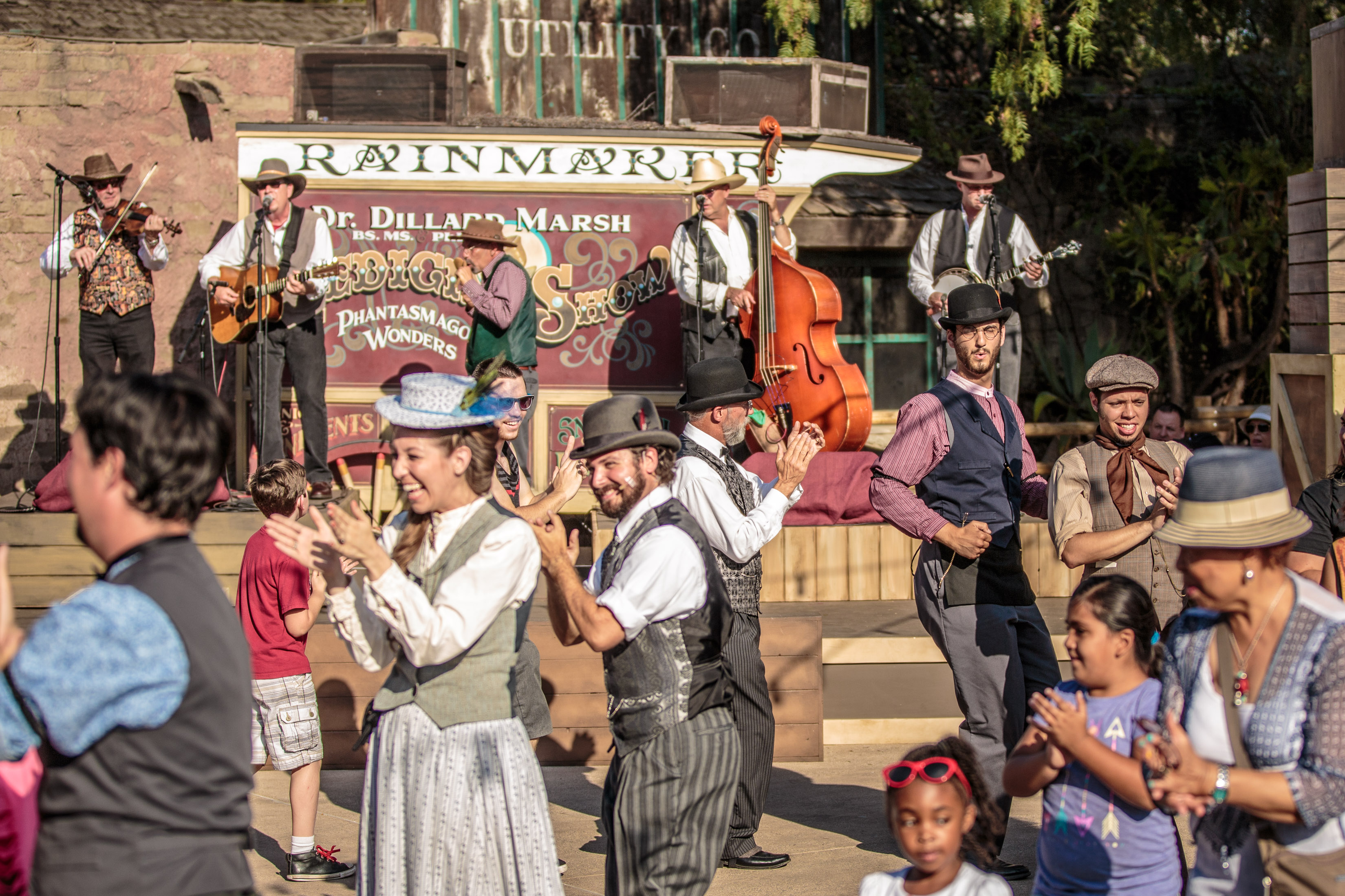 Knott's Berry Farm Ghost Town Alive Hoedown Dancing