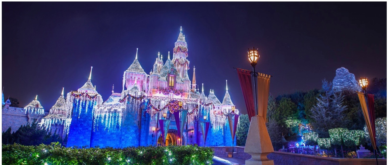 Five Magical Ways to Celebrate the Holidays at Disneyland - Simple Sojourns