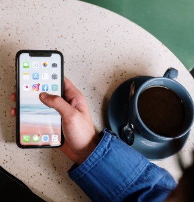 Losing precious photos, data, appointment schedules and more can happen if something happens to your phone. Read about these 6 ways to protect you phone data from loss.