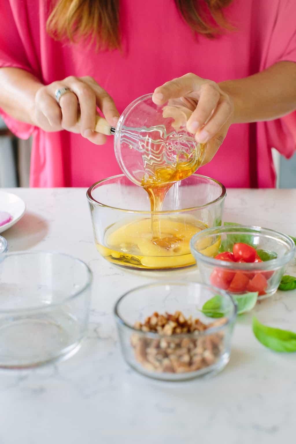 Citrus-Honey-Vinaigrette-Salad-Dressing-directions