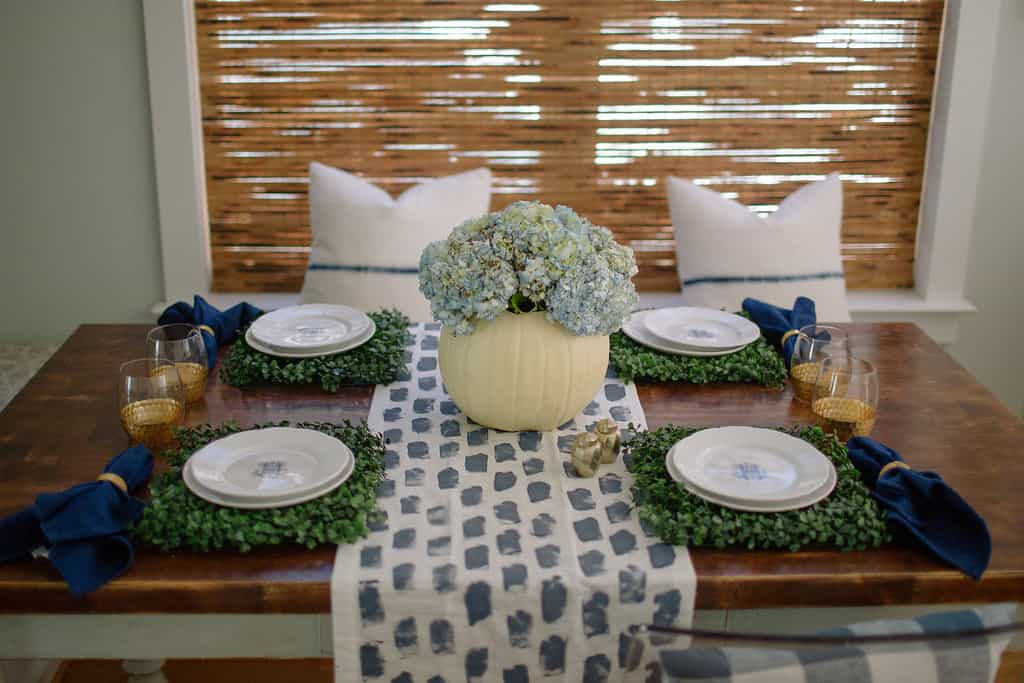 2016-Fall-Home-Tour-Easing-Into-Fall-with-Navy-Blue-table
