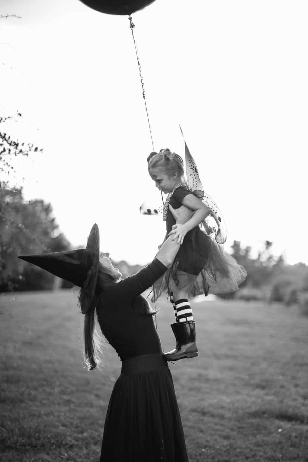 Embracing-The-Magic-of-Halloween-Kid-Style-girl