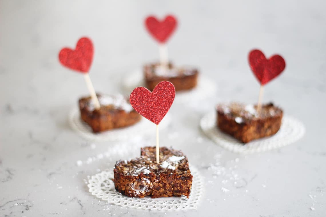 Healthy Valentine's Day Treats: Nut + Date Bars
