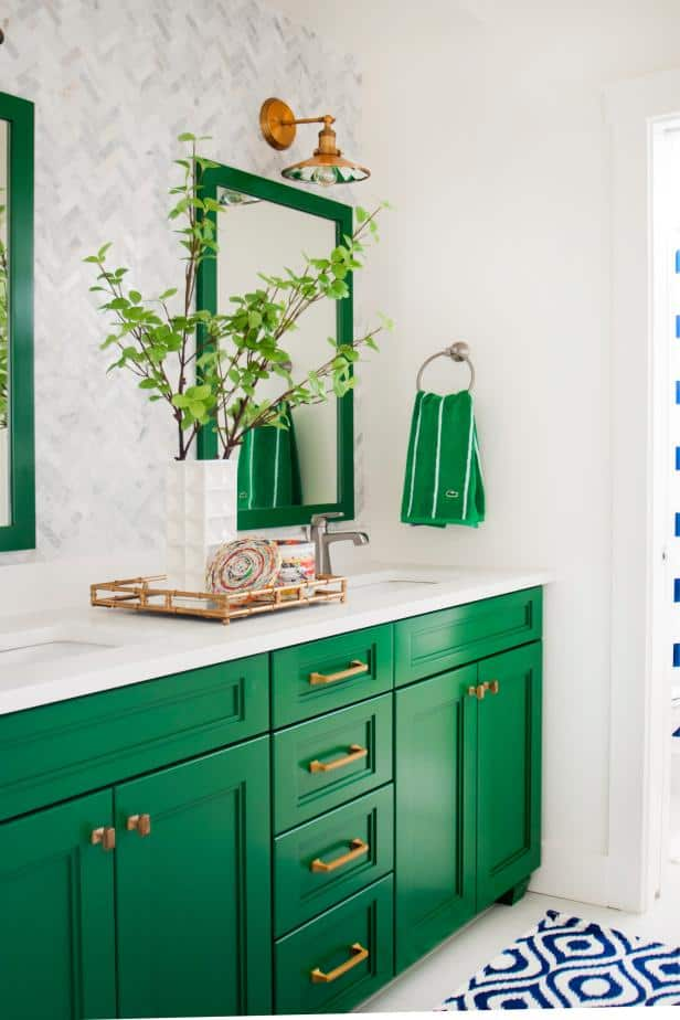 A Color Story: Kelly Green hgtv