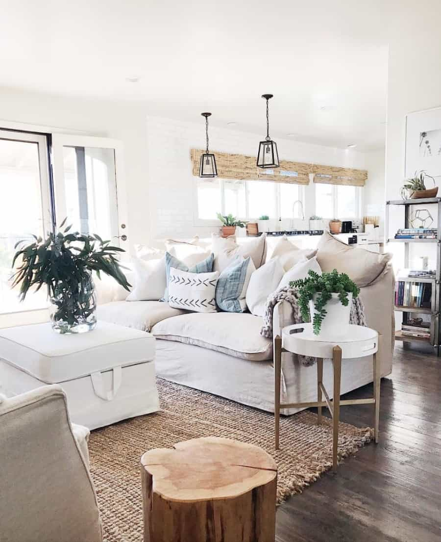 Picture of: Top 5 Friday How To Get The Modern Farmhouse Look