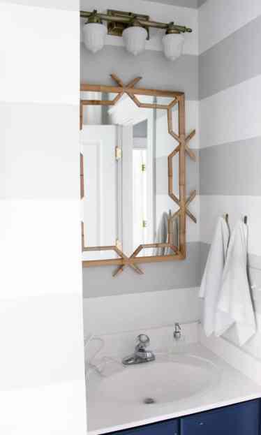 Spring 2018: A Wannabe Minimalist Home Tour bathroom