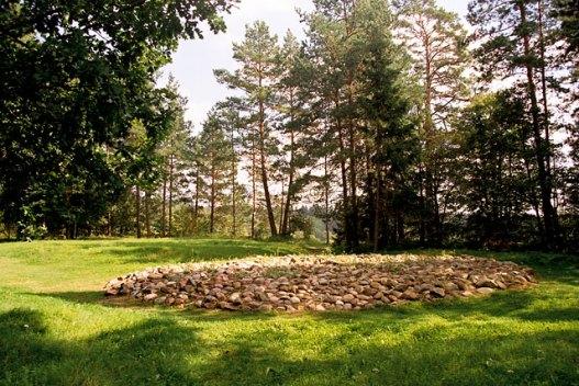 Cmentarzysko_Jacwingow,_Suwalszczyzna,_Aug_2004_B