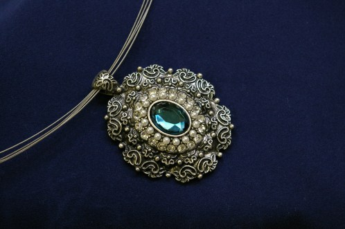 antique-chain-stone-fashion-modern-circle-724325-pxhere.com.jpg