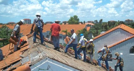 Simple Work Comp offers roofers insurance, workers compensation insurance, roofers work comp, work comp for roofers. Workers