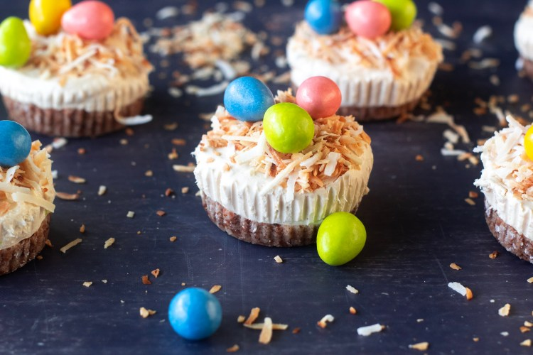 easter mini cheesecakes that are keto and low carb