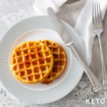 easy chaffle recipe that is low carb and keto friendly