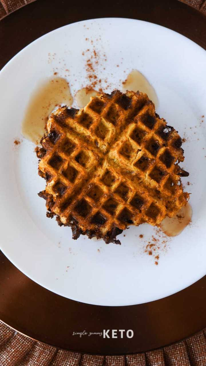easy keto pumpkin chaffle recipe - low carb dessert chaffle