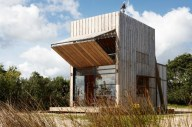 700_crosson-beach-house-exterior-2