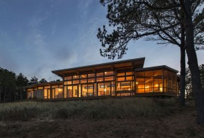 Long-Dune-Residence-by-Hammer-Architects