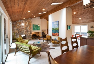 Mid-century modern is not so old-fashioned anymore. Image Source: Cablik Enterprises