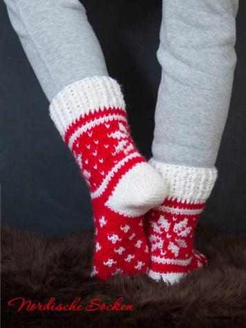 Häkelanleitung - Nordische Socken - Simply Kreativ - Nordisch Häkeln - 01/2019