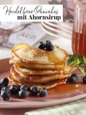 Rezept - Heidelbeer-Pancakes mit Ahornsirup - Simply Kreativ Extra – Leckere Ideen für den Thermomix® 02/2019