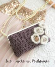 Häkelanleitung - Evie - Tasche mit Perlblumen - Mini Taschen und Etuis Häkeln Vol. 8 – 03/2019