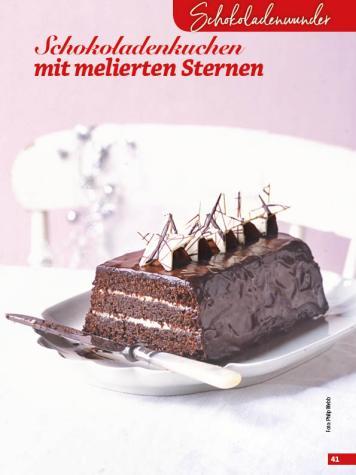 Rezept - Schokoladenkuchen mit melierten Sternen - Simply Backen Special Weihnachtskuchen