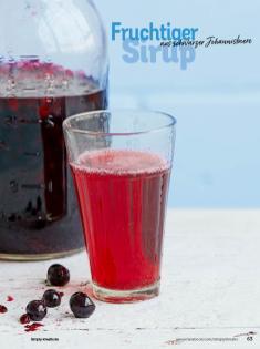 Rezept - Fruchtiger Sirup aus schwarzer Johannisbeere - Simply Kochen Sonderheft Sommerrezepte 01/2020
