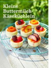 Rezept-Kleine-Buttermilch-Kaesekuechlein-Simply-Backen-Kollektion-Torten-Kuchen-0121