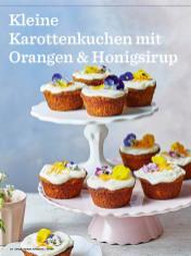 Rezept-Kleine -Karottenkuchen-mit-Orangen-und-Honigsirup-Simply-Backen-Kollektion-Torten-Kuchen-0121
