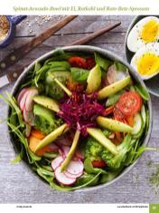 Rezept - Spinat-Avocado-Bowl mit Ei, Rotkohl und Rote-Bete-Sprossen - Simply Kochen Sonderheft: One-Pot-Gerichte