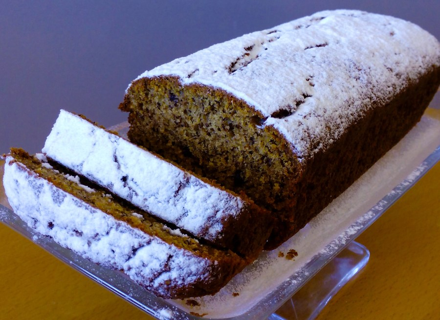 Can you imagine of making a Banana Bread that is actually good for your health? Well this recipe is No-Fail and Guilt-Free! You will love it! | Healthy Food Recipes | simplyanchy.com