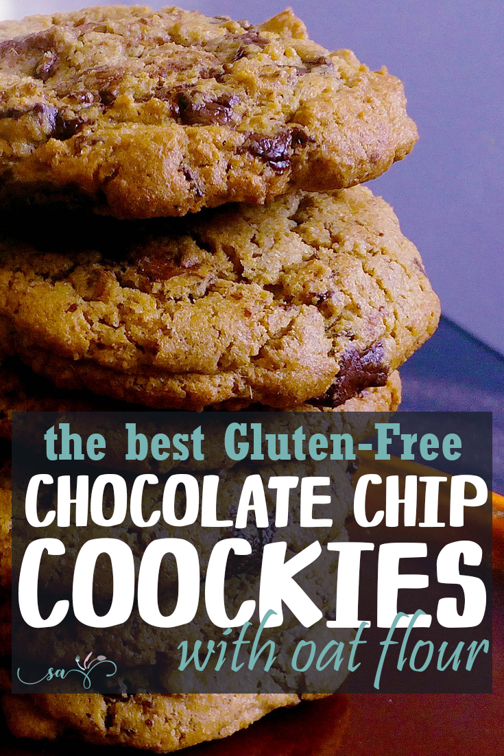Do you like chocolate chip cookies? Yeah, me to! You should try this version with dark chocolate and hazelnuts. These are so soft and chewy! | Healthy Food Recipes | simplyanchy.com