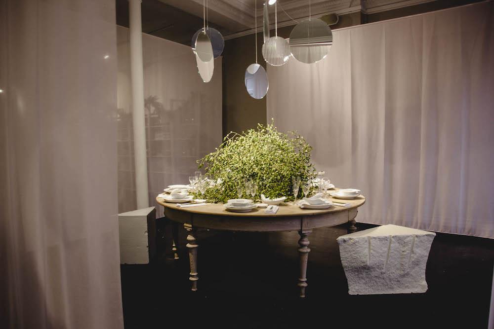 royal-copenhagen-tables