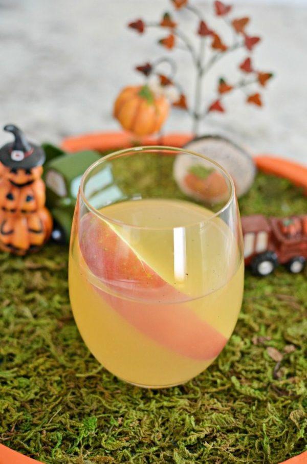 Fall Apple Cider Sangria