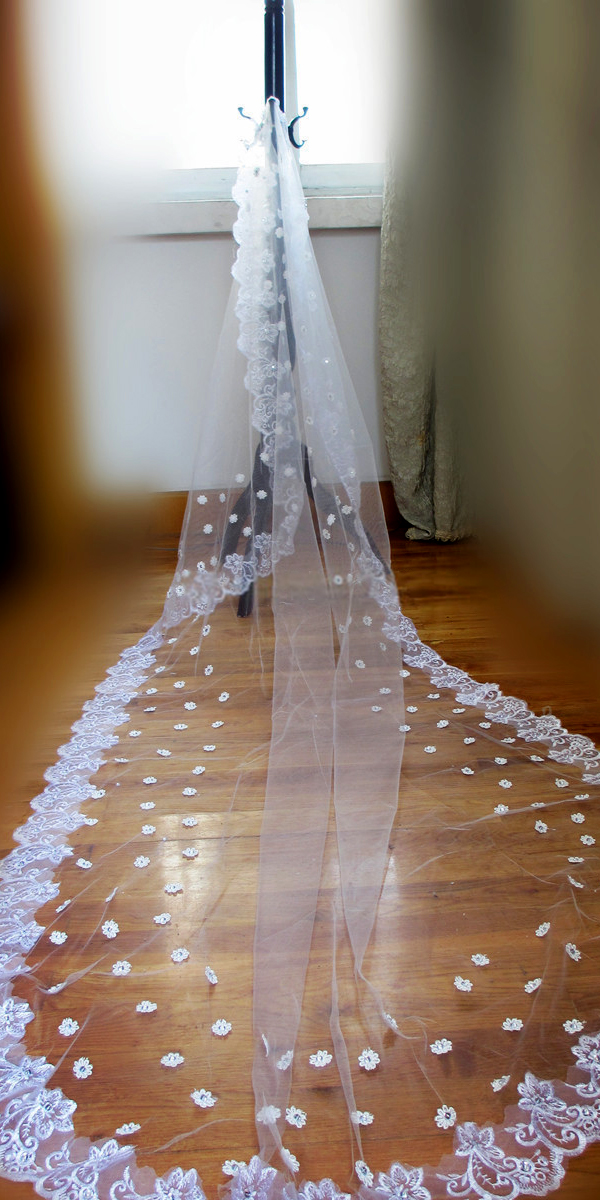 one-layer applique floral bridal veil with rhinestones sexy womens accessories
