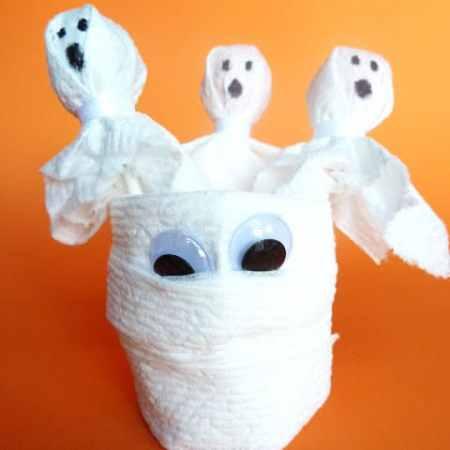 Spooky Ghost Lollipops and Mummy Cups #Halloween #KidsCraft #CottonelleTarget  #PMedia #ad