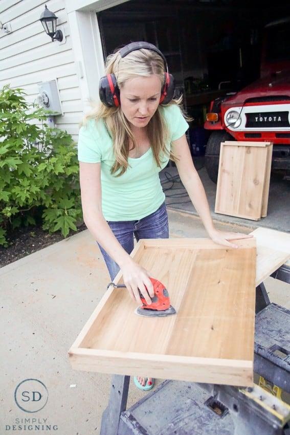 DIY Outdoor Beverage Cart - sanding