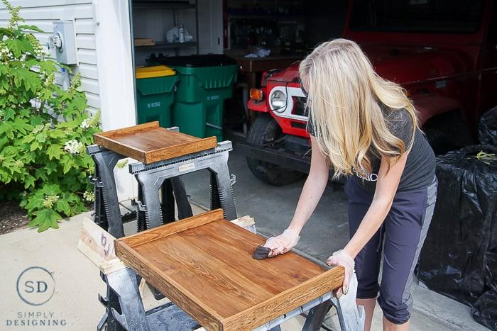 DIY Outdoor Beverage Cart - staining