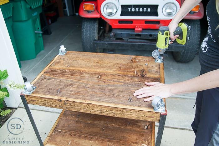 DIY Outdoor Beverage Cart - drilling