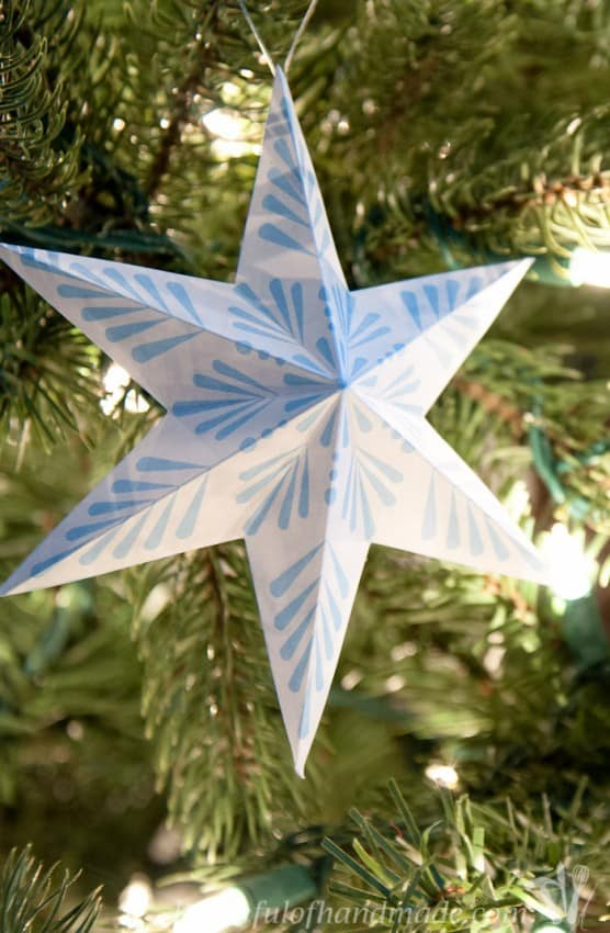 free-printable-3d-snowflake-star-ornaments-2