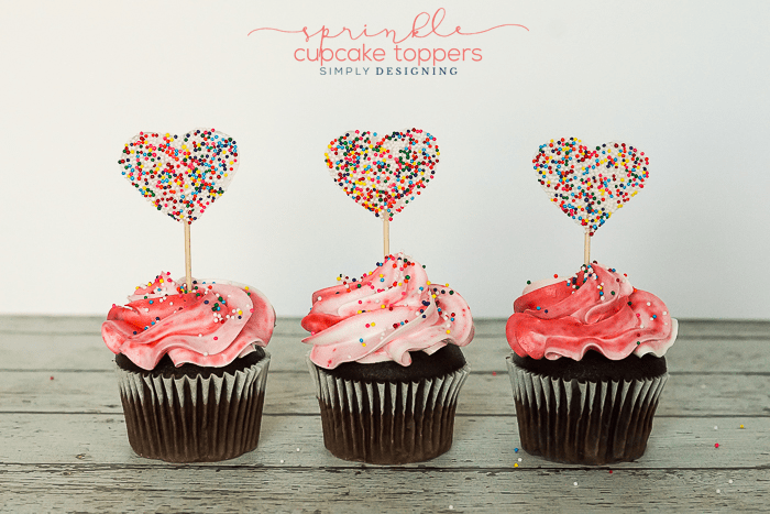 https://i2.wp.com/simplydesigning.porch.com/wp-content/uploads/2016/12/How-to-Make-Sprinkle-Cupcake-Toppers.png?fit=700%2C467