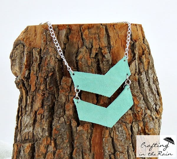 turquoise-leather-necklace_zps4c5b5c21