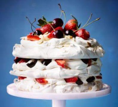 amaretto-meringue-cake-with-strawberries-cherries