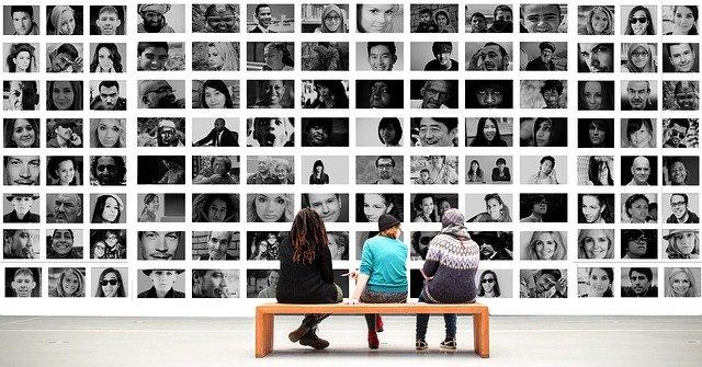 Meinungsvielfalt Verschwörungstheorien