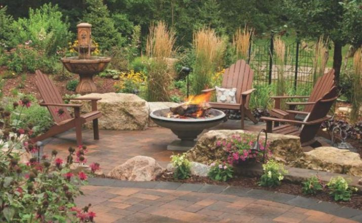 Paver Patio With Stone Fire Pit